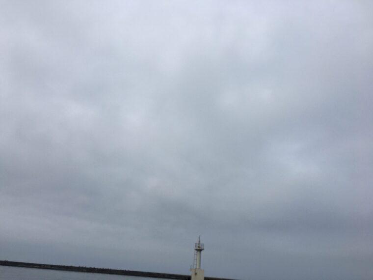 秋田北防波堤の先端の写真